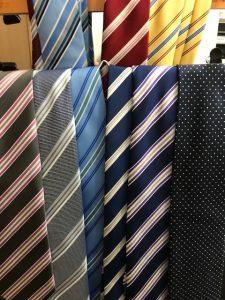 就活証明写真ネクタイの貸出無料